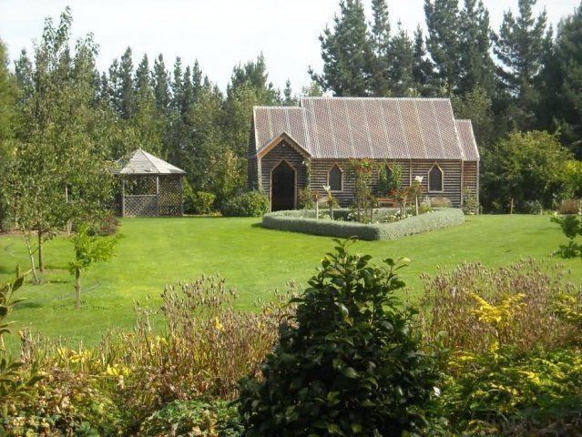 Country Chapel New Zealand Wedding