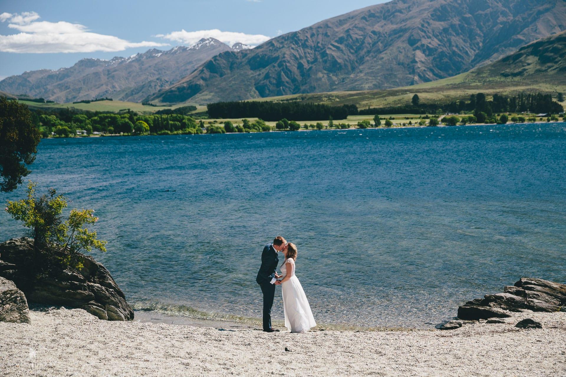 Couple get married beside Lake Wanaka